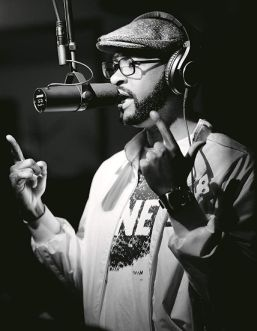 recording artist with shure sm7b